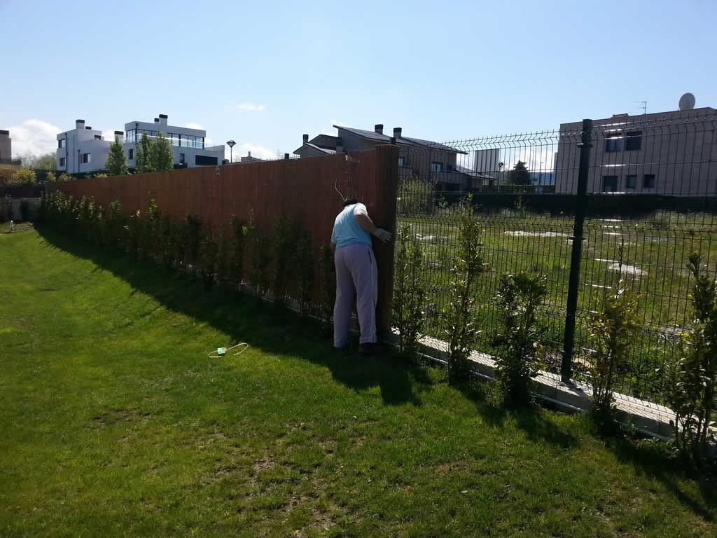 Cerramiento de mimbre para jardín